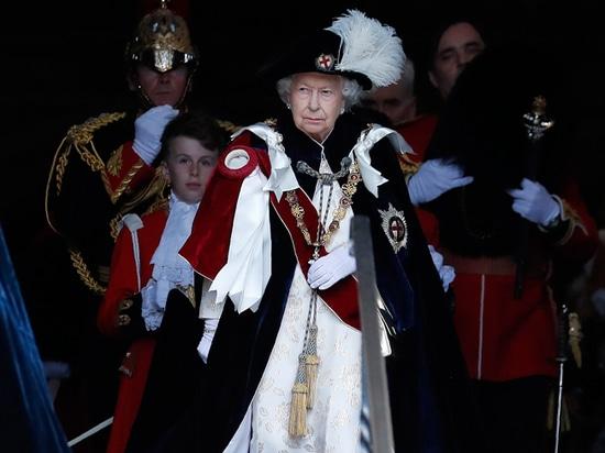 Общество: В Великобритании анонсировали изменения королевских полномочий Елизаветы II