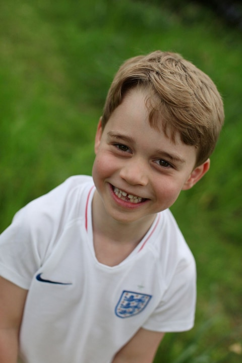 Знаменитости: Кейт Миддлтон опубликовала новые снимки принца Джорджа