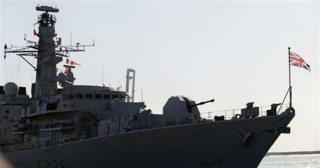 Без рубрики: Англия объявила, что она отправит третий военный корабль в Персидский залив