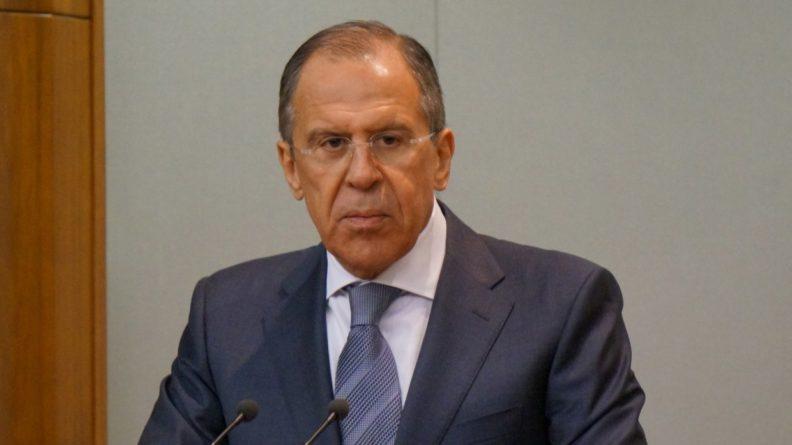 Политика: Лавров отреагировал на идею Зеленского подключить к переговорам по Донбассу США и Британию