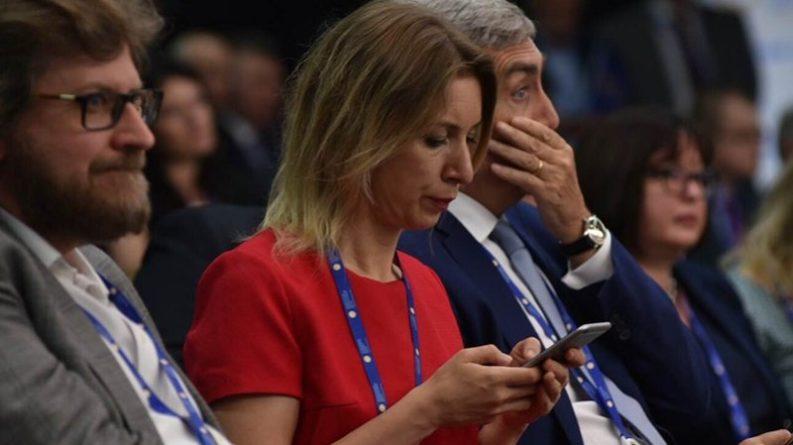 Общество: Захарова потребовала у Лондона объяснений насчет отказа в аккредитацииRT и Sputnik