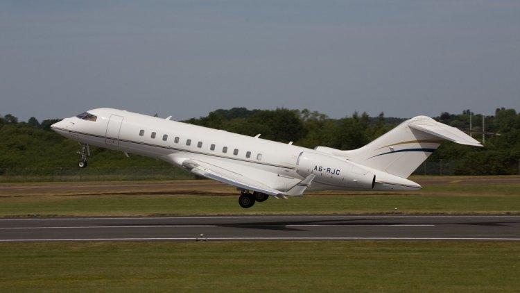 Общество: Британский самолет провел разведку у российских границ