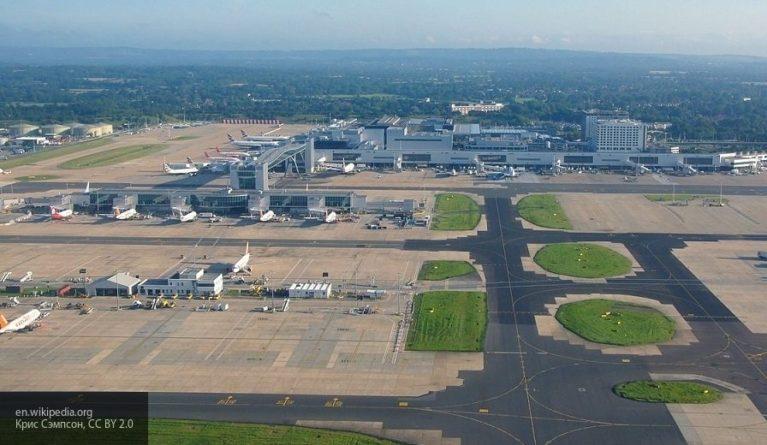Аэропорт Лондона Гатвик сделал паузу в работе