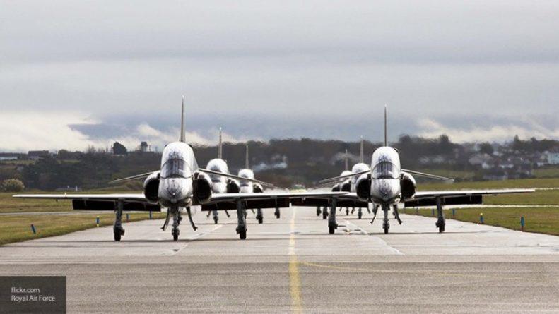 Самолет ВВС Британии провел разведку у Черноморского побережья России