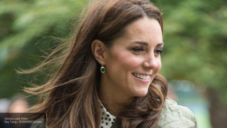 Знаменитости: Дочка Кейт Миддлтон и принца Уильяма удивила публику клатчем за пять долларов