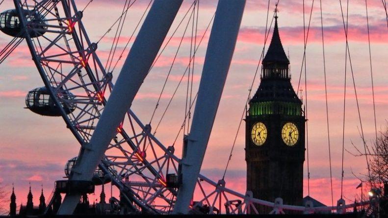 Общество: Британский министр юстиции подтвердил, что 24 июля подаст в отставку