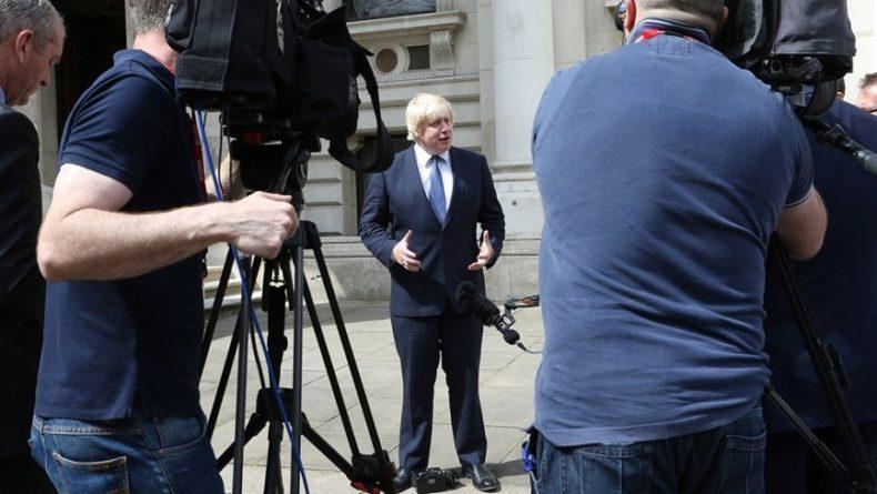 Общество: В ГД сообщили об «осторожном оптимизме» в отношении нового британского премьера Джонсона