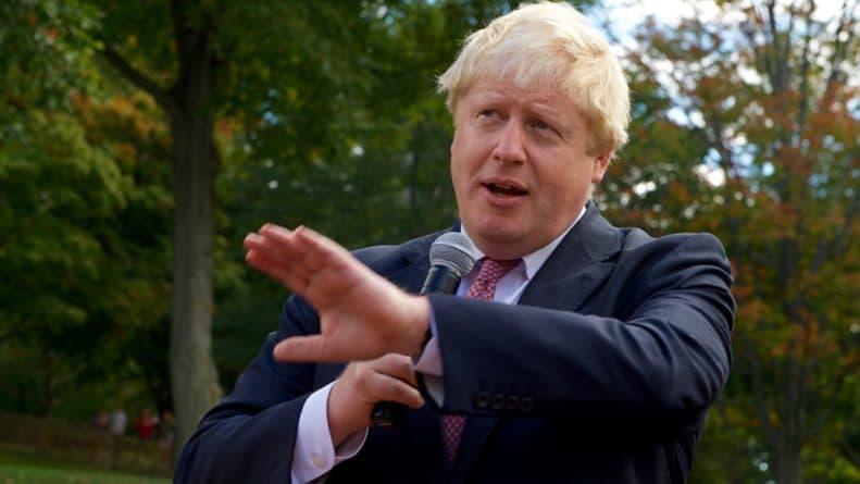 Общество: Борис Джонсон уничтожит либо Великобританию, либо ЕС. Колонка Евгения Беня
