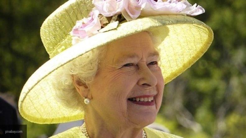Знаменитости: СМИ рассказали, какие сериалы любит смотреть Елизавета II