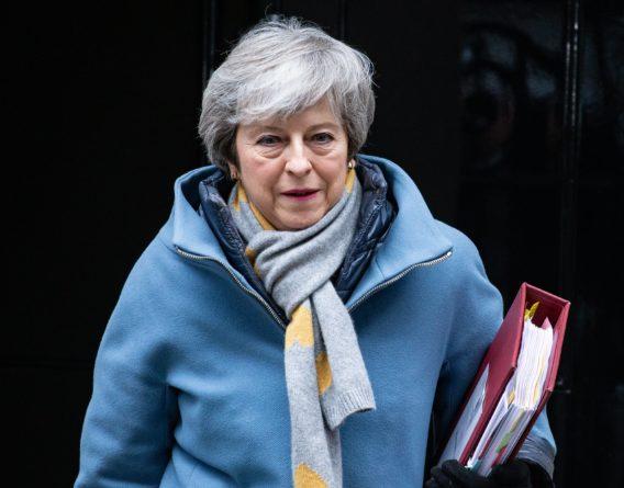 Общество: Тереза Мэй сложила полномочия премьер-министра Великобритании