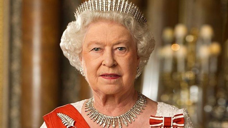 Знаменитости: Биограф Елизаветы II рассказал, что королева боялась встреч с Дианой