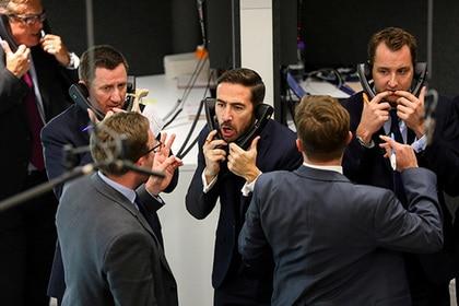 Британской экономике предрекли рекордное падение