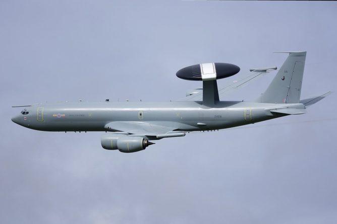 Без рубрики: Британский самолет провел разведку у границ Крыма.