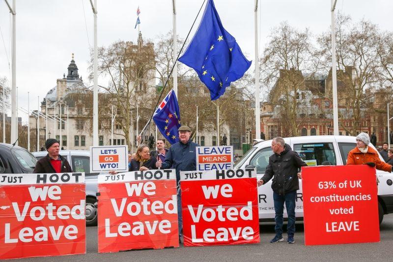 Общество: Слухи вокруг кризиса в Великобритании после выхода из ЕС придуманы противниками Brexit