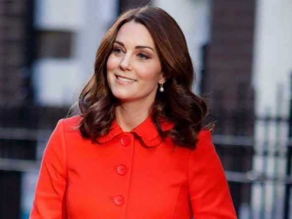 Знаменитости: Секрет стройности герцогини: Стало известно упражнение для похудения, которое делает Кейт Миддлтон