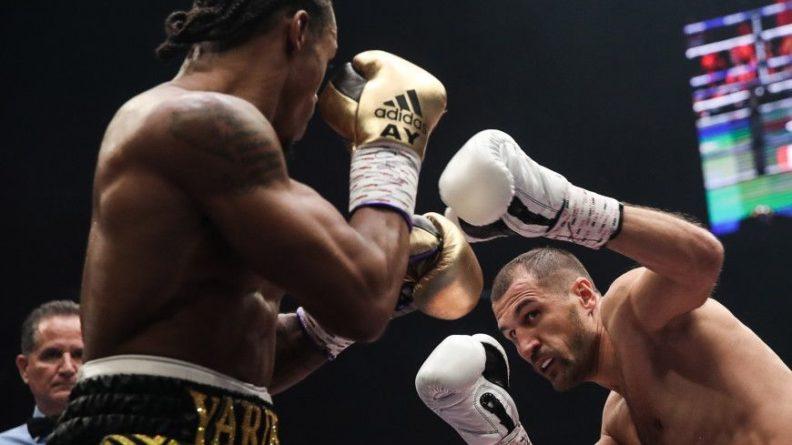Общество: Россиянин Ковалев нокаутировал британца Ярда и защитил титул чемпиона