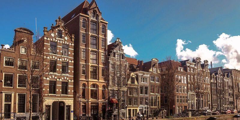 Общество: Из-за ситуации с Brexit сто британских компаний переехали в Нидерланды