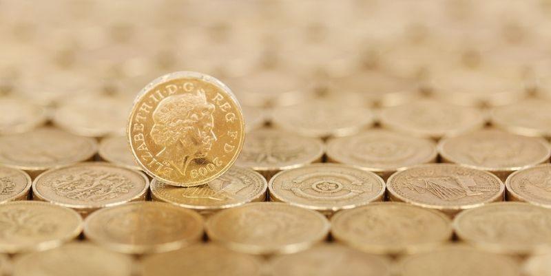 Общество: Приостановка работы правительства Британии: фунт упал до шестидневного минимума