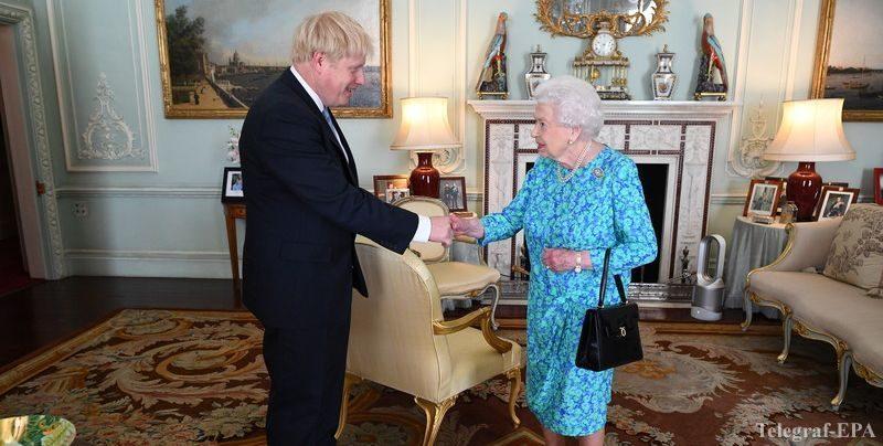 Общество: Елизавета II выполнила просьбу Джонсона