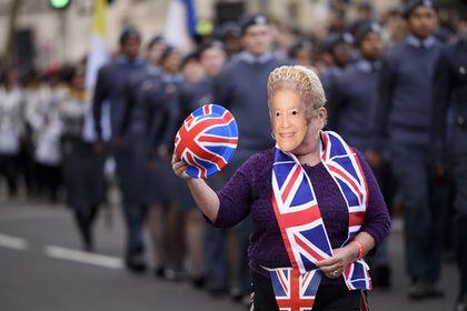 Без рубрики: Елизавета IIпотроллила американских туристов
