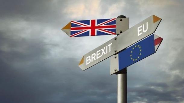 """Политика: Британский парламент заблокировал """"жесткий"""" Brexit"""