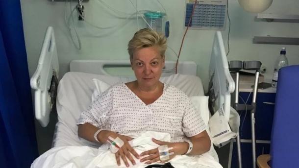 Общество: Гонтарева прислала журналистам видео из больницы Лондона, чтобы подтвердить, что ее сбила машина