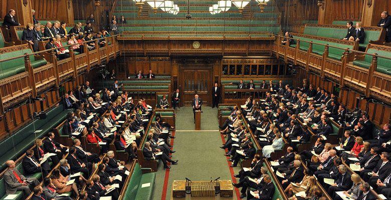 Общество: Парламент Британии отверг идею Джонсона о досрочных выборах