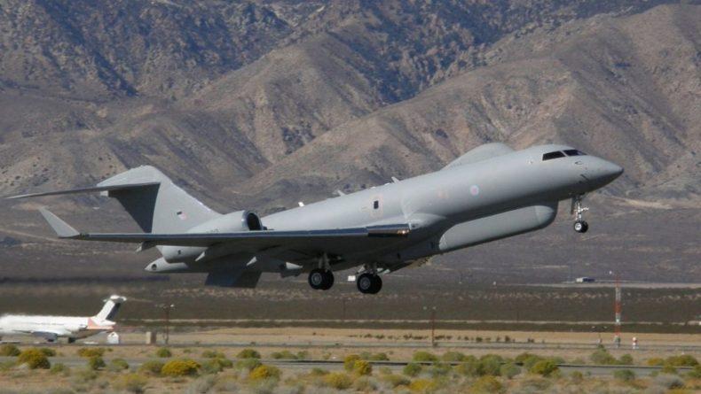 Общество: Британский самолет-разведчик был замечен у границ России