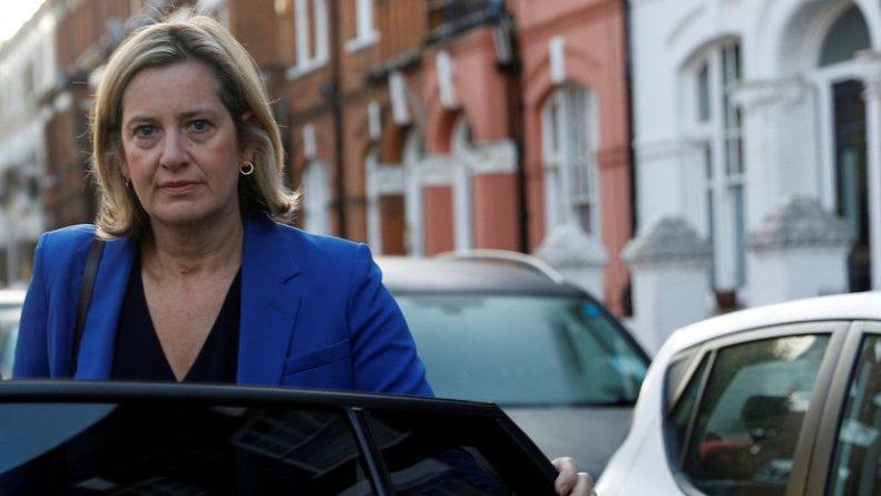 Политика: Эксперт прокомментировал отставку министра труда и пенсий Британии