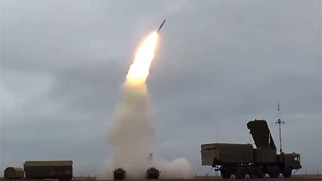 Общество: Британия назвала С-400 самым грозным российским оружием