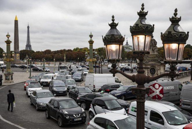 Общество: Забастовки работников транспортной отрасли парализовали весь Париж