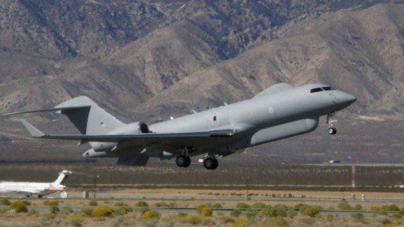 Общество: Два военных самолета ВВС Британии засекли у российских границ