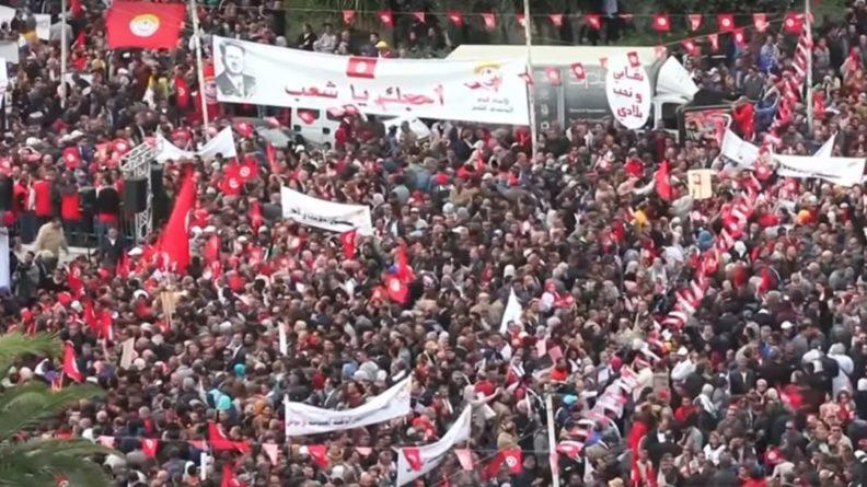 Общество: Тунисцы в ходе выборов президента вспомнили о кризисе безопасности и экономики страны