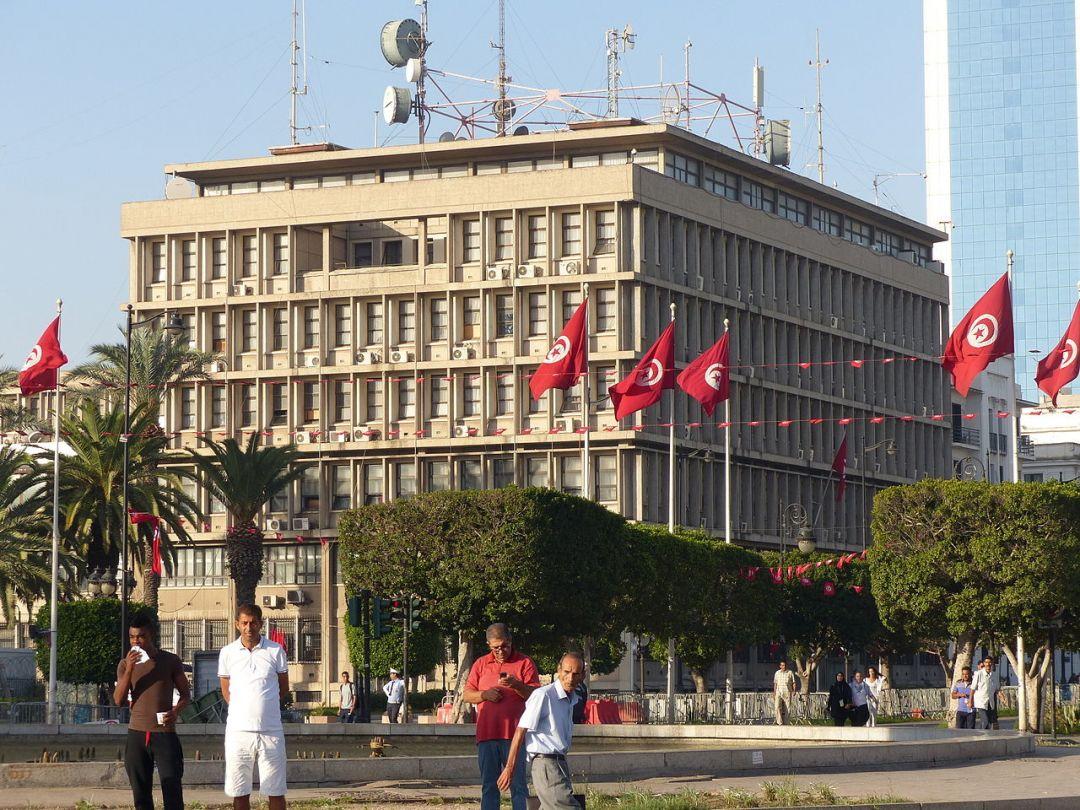 Тунисцы в ходе выборов президента вспомнили о кризисе безопасности и экономики страны