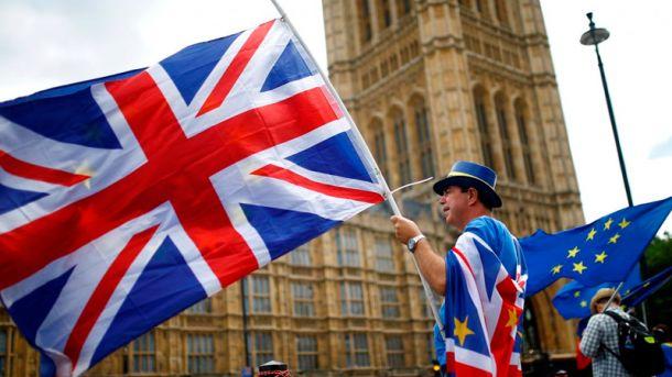 Общество: Лондон не предоставил необходимые предложения по Brexit, - Еврокомиссия