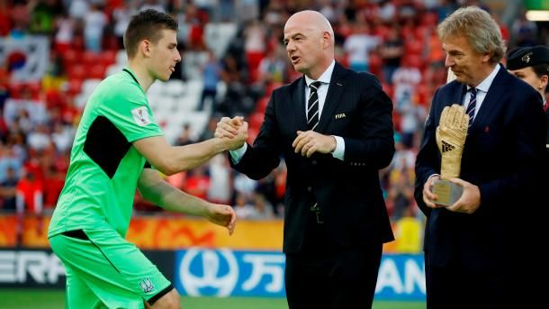 Общество: Украинский футболист претендует на звание лучшего молодого игрока года