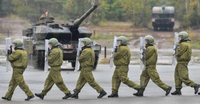 Общество: НАТО может расширить свое присутствие в странах Балтии