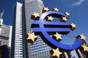 Общество: Питер Прэт призывает к спокойствию в плане монетарной политики