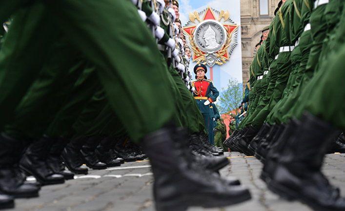Общество: Bloomberg (США): сторонники Брексита и русские злоупотребляют победой во Второй мировой войне