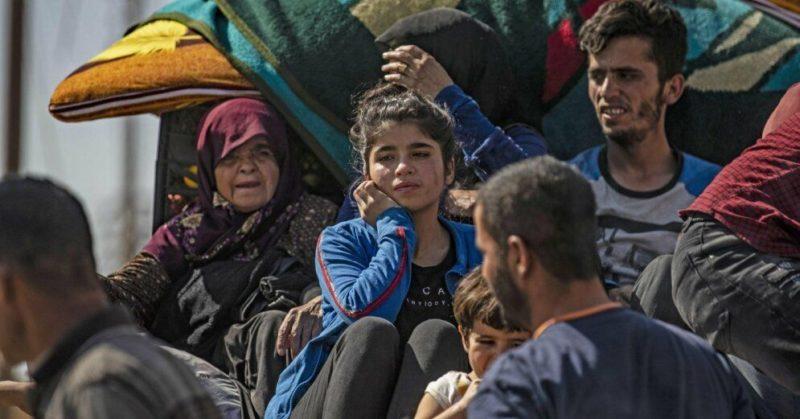Общество: Операция в Сирии: Турция бомбит курдов и шантажирует Европу