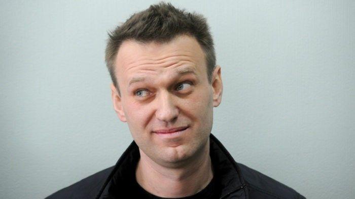 Общество: Почему навальновские миллионы приходят на счет Леониду Волкову?