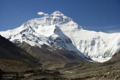 Общество: Высота Эвереста могла уменьшиться после землетрясения, Непал и Китай измерят ее повторно