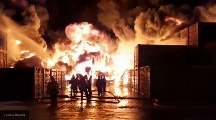 Общество: На западе Лондона 100 человек тушат пожар
