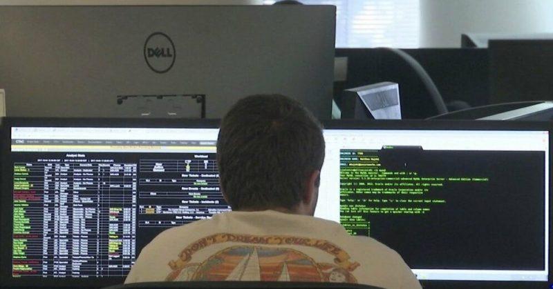 """Общество: """"Корпорация зла"""". США обвинили российских хакеров в хищении 100 млн долларов"""