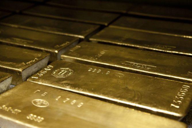 Общество: Великобритания и Польша решили похитить российское золото