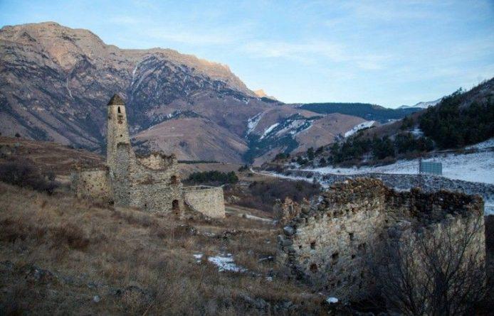 Общество: Вандалы разрушили средневековые строения в Ингушетии