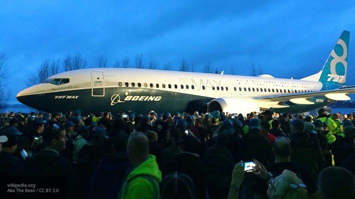 Общество: Boeing решили приостановить выпуск самолетов 737 MAX