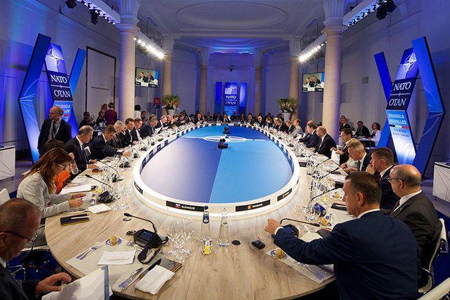 Общество: Генштаб РФуличил НАТО вподготовке квойне