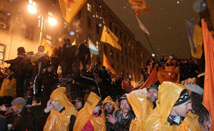 Общество: Le Monde diplomatique (Франция): прототип «оранжевой революции» на Украине