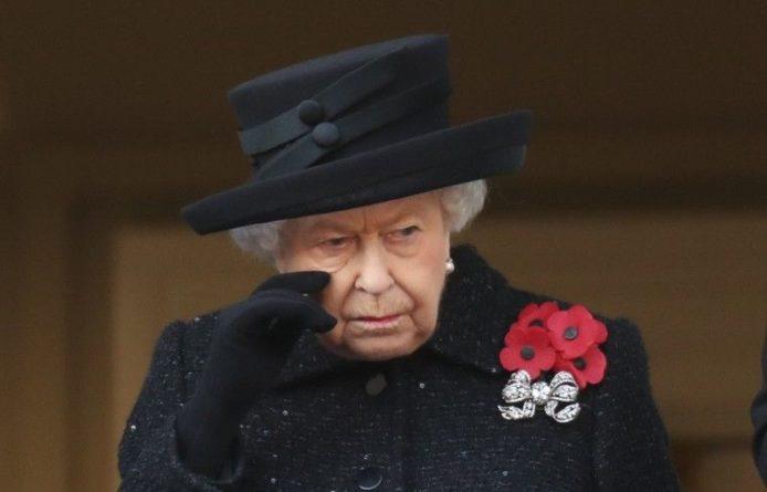 Общество: Елизавета II назвала приоритетом правительства выход Британии из ЕС